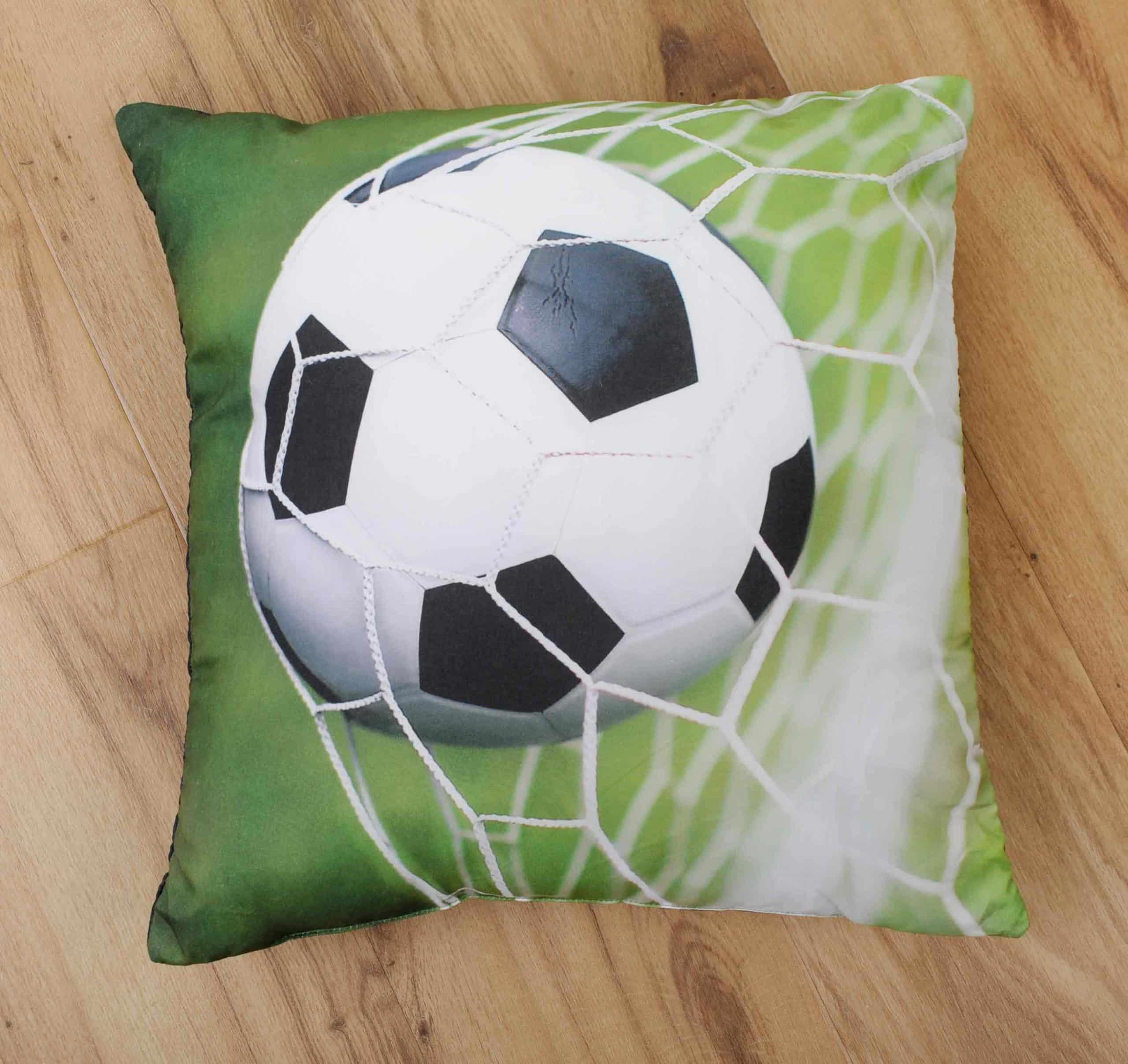 Produktbild Dekokissen Fußball young Collection Grün Vorderseite