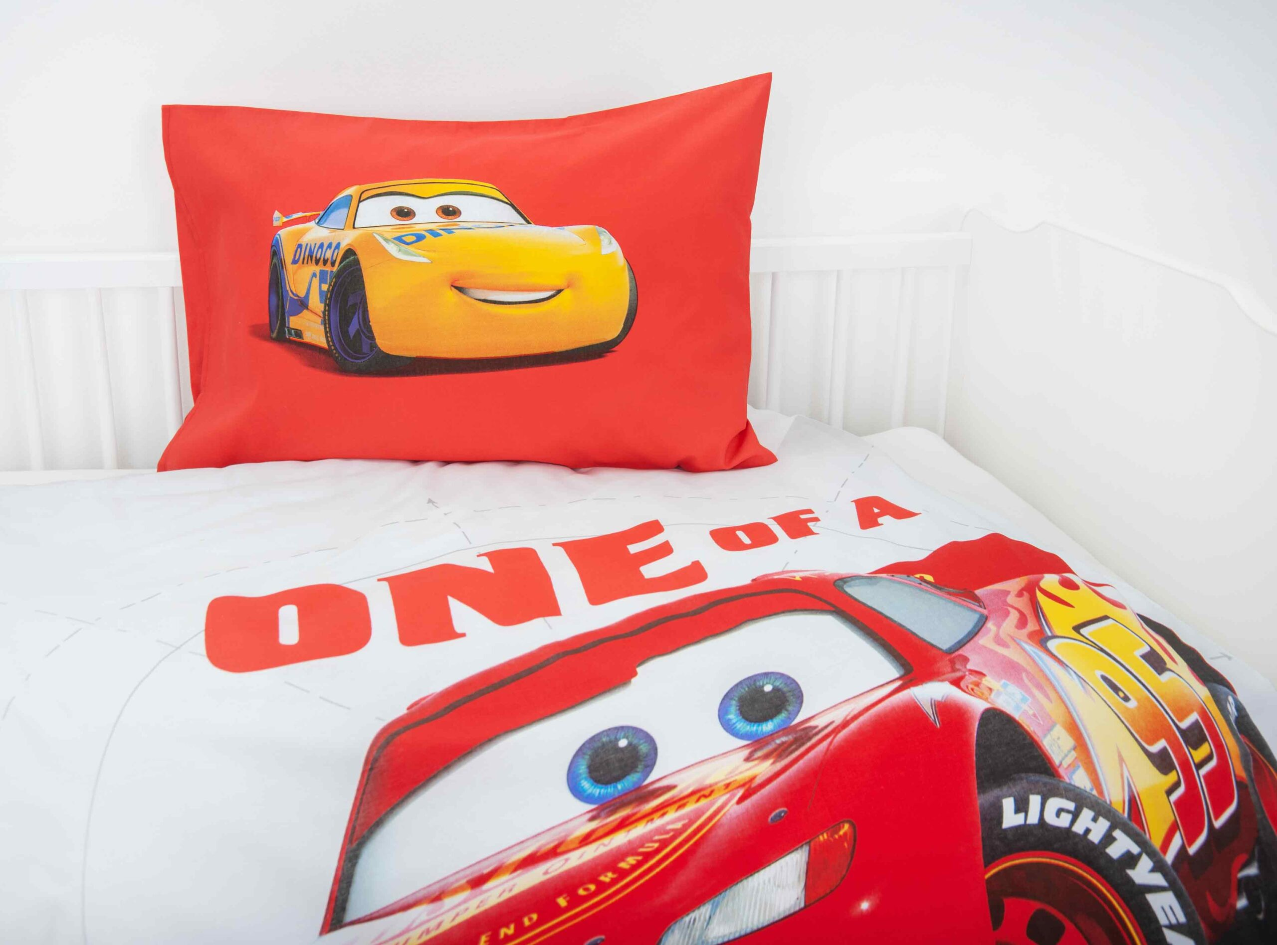 Produktbild Bettwäsche Disney Cars rot weiß Kissen Rückseite
