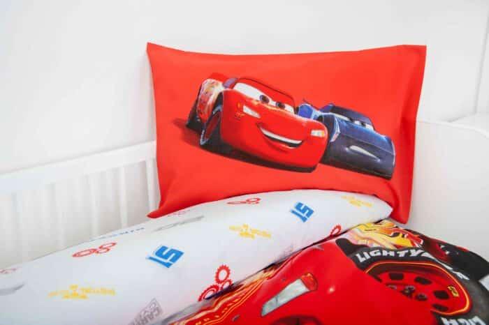 Produktbild Bettwäsche Disney Cars rot weiß Kissen Vorderseite